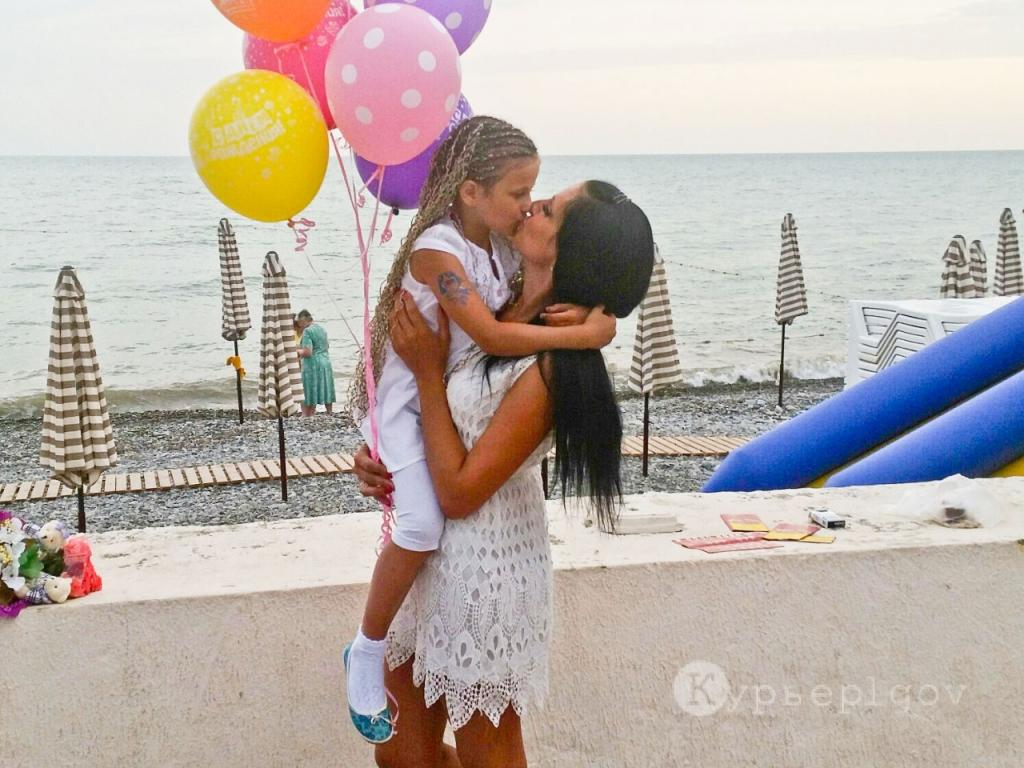 Елена Чеботаева с дочерью Софьей (г. Льгов)