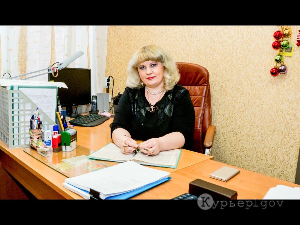 За многолетний добросовестный труд и высокие показатели в профессиональной деятельности была награждена начальник отдела ЗАГС администрации Льговского района Наталья Ивановна Лоторева