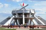 """Мемориал """"Тепловские высоты"""" построен в виде противотанковой мины."""