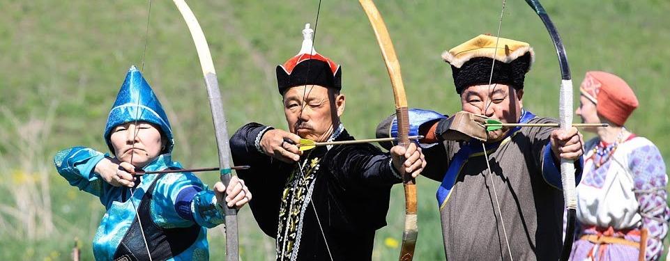 В программе соревнований оценивались такие дисциплины, как стрельба на точность среди мужчин и женщин..