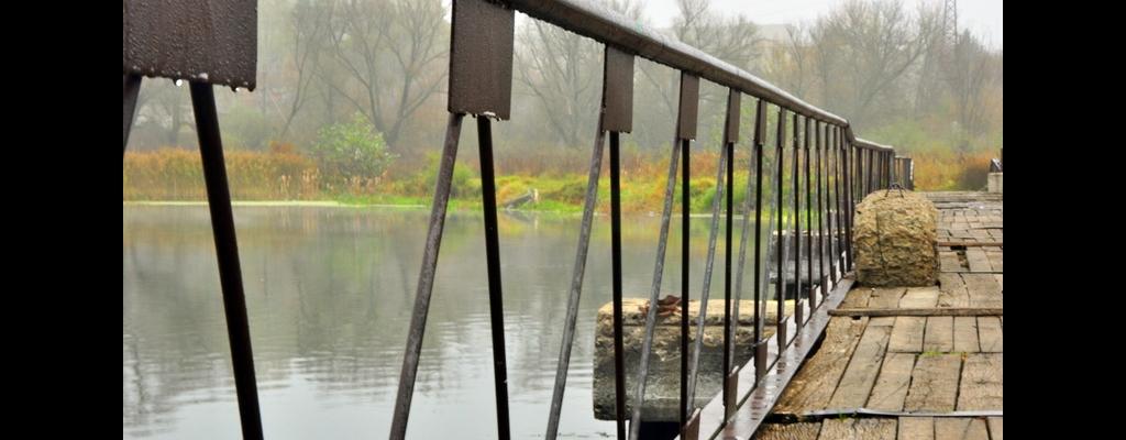Пешеходный мостик Льгов Весна