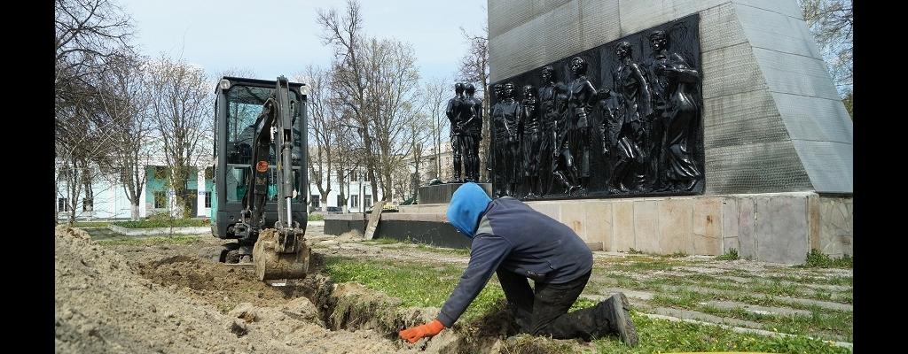 20 апреля в сквере Льговских молодогвардейцев кипела работа. Чтобы Огонь Памяти действительно был вечным, к конструкции подвели природный газ. Торжественное открытие и зажжение Вечного огня состоится вечером 8 мая