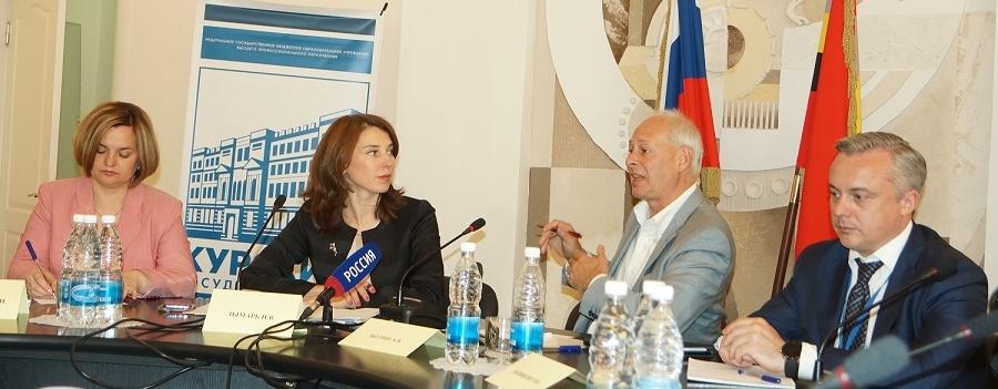 Наталья Лымарь, Алексей Волин, Руслан Новиков (слева направо)