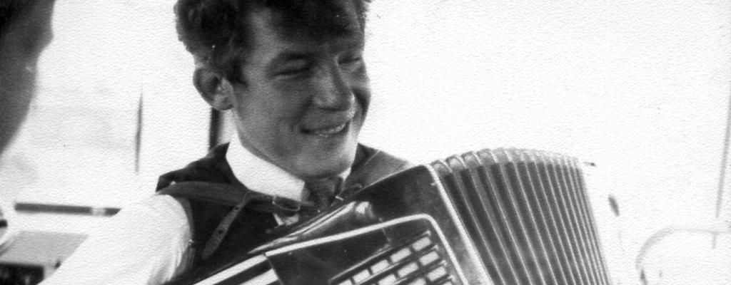 Лёша Мелехов – во Льгове, ещё совсем юный. (фото из домашнего архива О. К. Харченко)