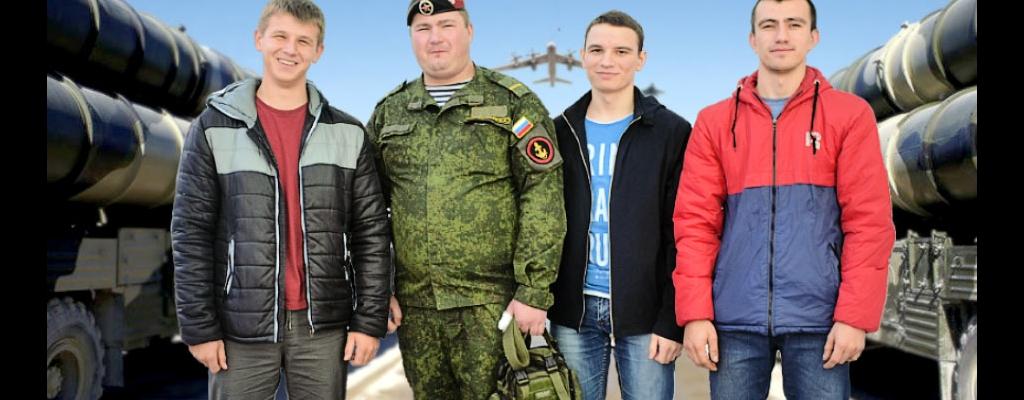 Дмитрий Асеев, руководитель ВПК «Белый медведь» Алексей Коростелев, Ярослав Серёгин и Максим Майданов (слева направо)