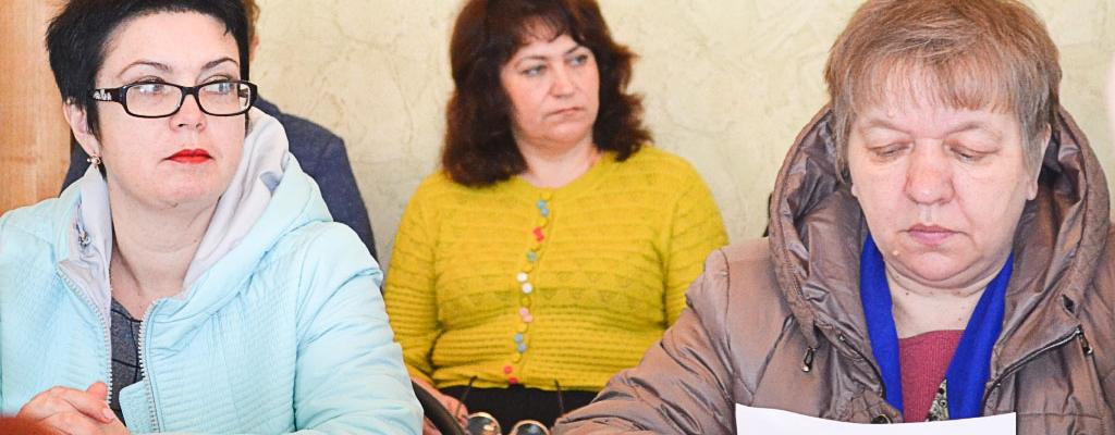 Состоялось очередное заседание Представительного Собрания Льговского района. В нем приняли участие 11 депутатов из 15....