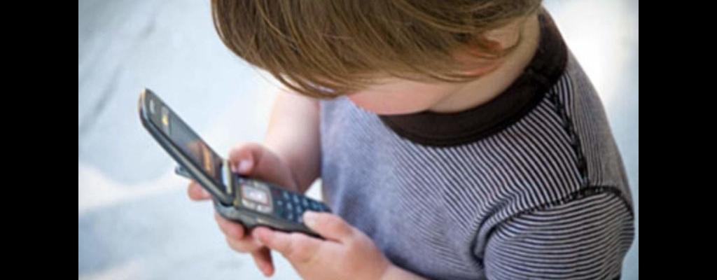 Наш телефон доверия <strong>8-800-2000-122</strong>, работает он круглосуточно без выходных и праздничных дней. Звонить можно бесплатно и не выходя из дома.